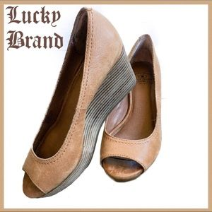 Lucky Brand Tan Leather Peep Toe Wedges Size 6